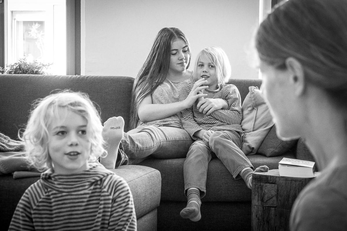 Geschwisterporträt für natürliche Familienreportage Wuppertal