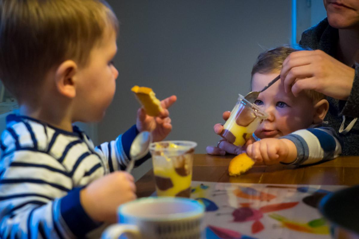 Day in the Life Familienfotos beim Essen