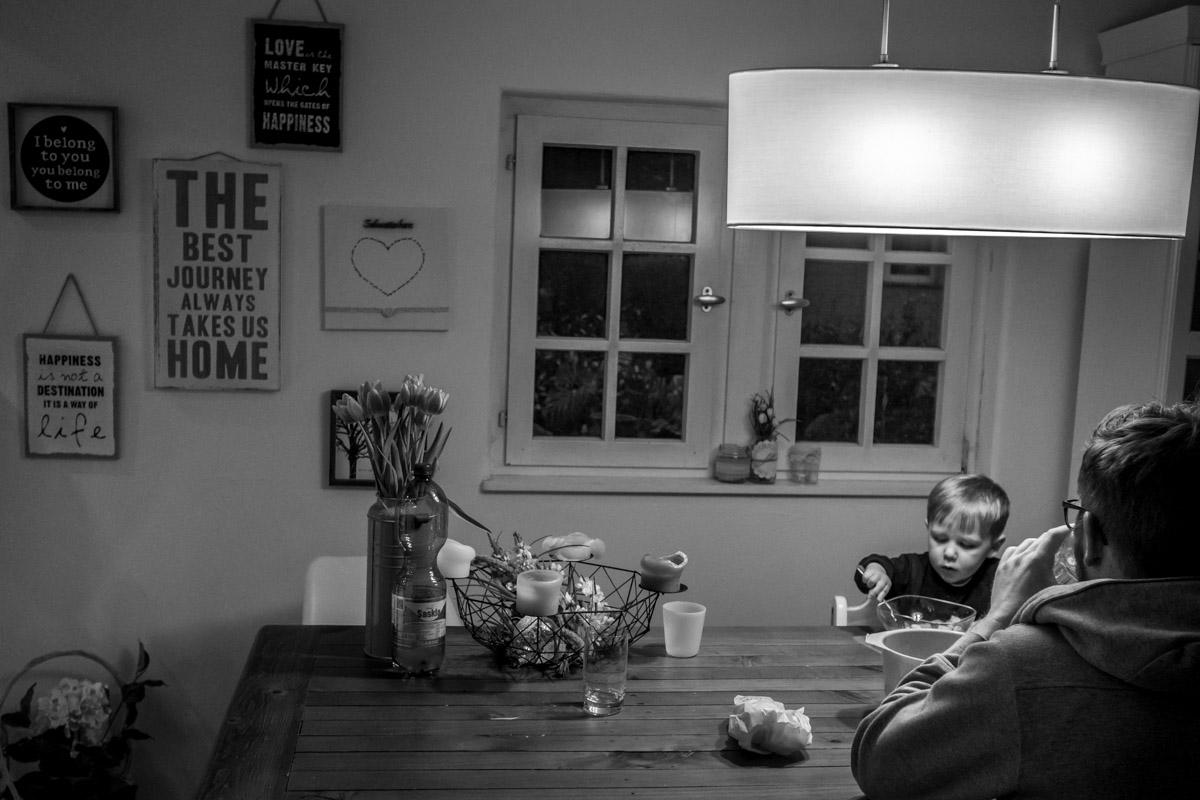 Moderne Familienfotos im eigenen Zuhause