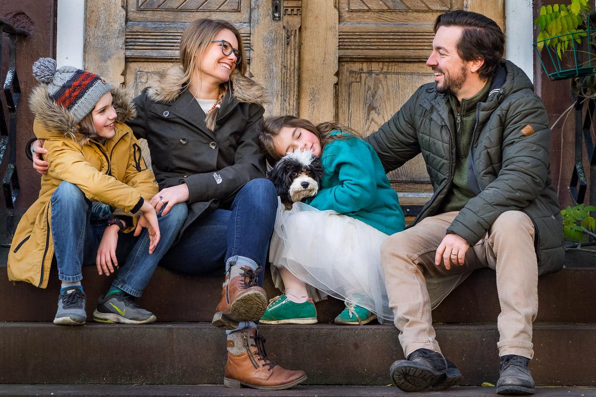 Ein Hund zum Verlieben – Familienfotos im Herbst