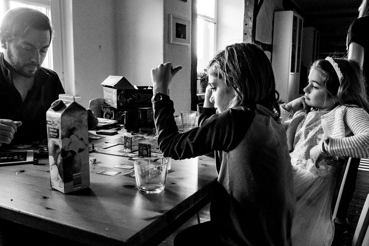 Spieleabend mit Kindern und Familienfotograf Solingen