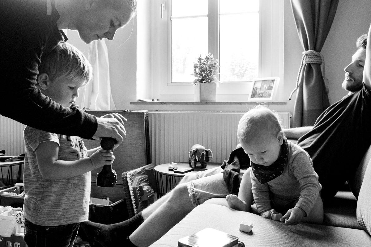 Eltern mit Söhnen