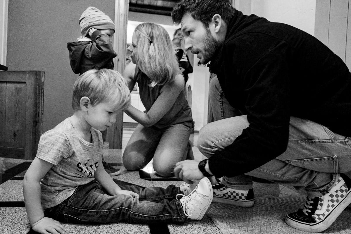 Morgendlicher Familienalltag Kinderfotograf Solingen