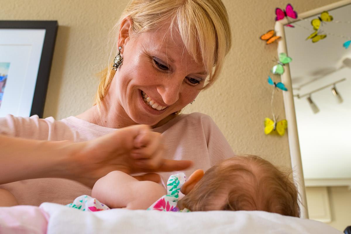 Mama-mit-Baby-Babyfotograf-Solingen