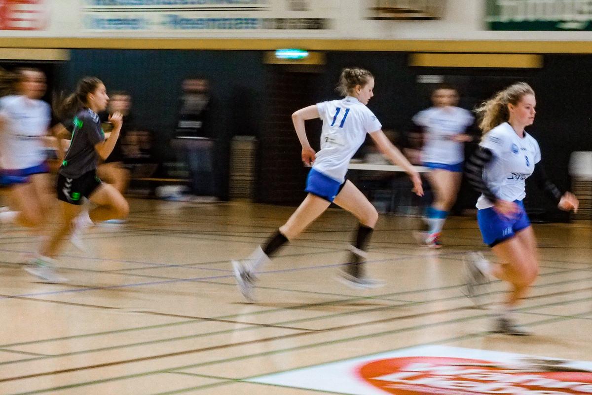 Maedchen Turnier Handball BHC Solingen mit Familienfotograf Solingen Katrin Kuellenberg