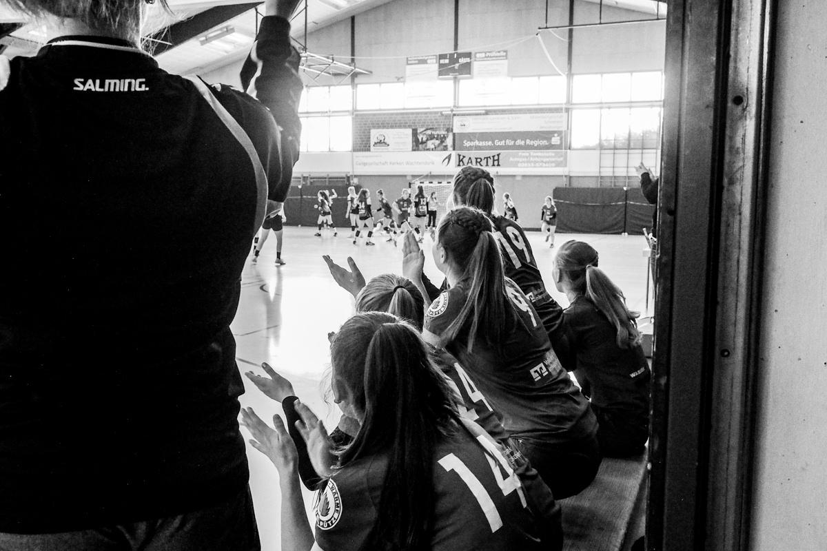 Qualifikation Maedchenmannschaft Handball BHC Solingen mit Familienfotograf Solingen Katrin Kuellenberg