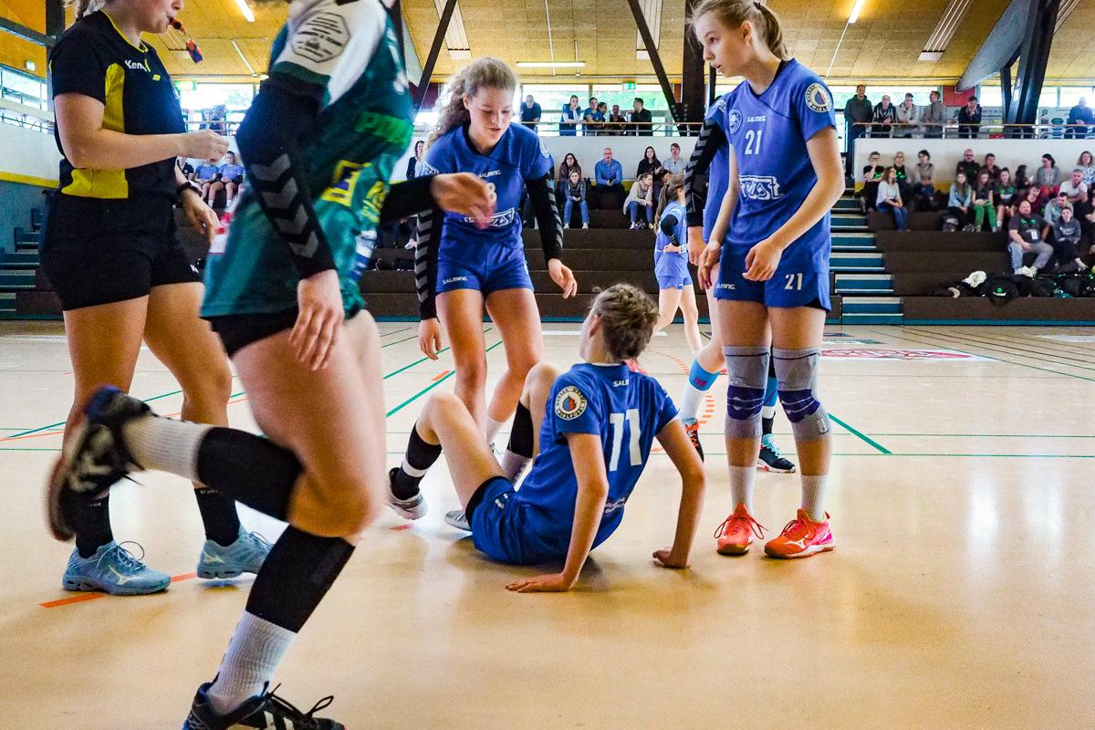 Qualifikationsturnier Maedchenmannschaft Handball BHC Solingen mit Familienfotograf Solingen Katrin Kuellenberg