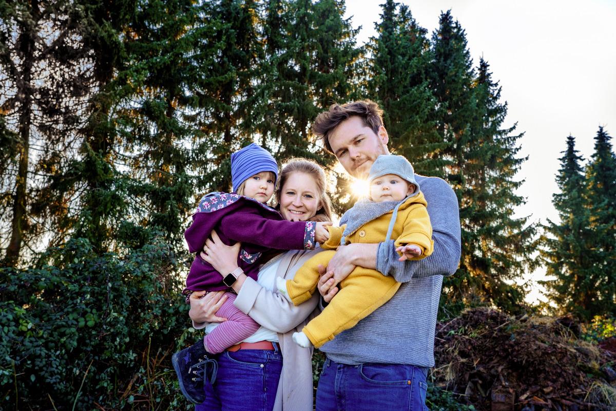 Minisession Fotoshooting Solingen für Familien mit Baby mit Familienfotografin Solingen