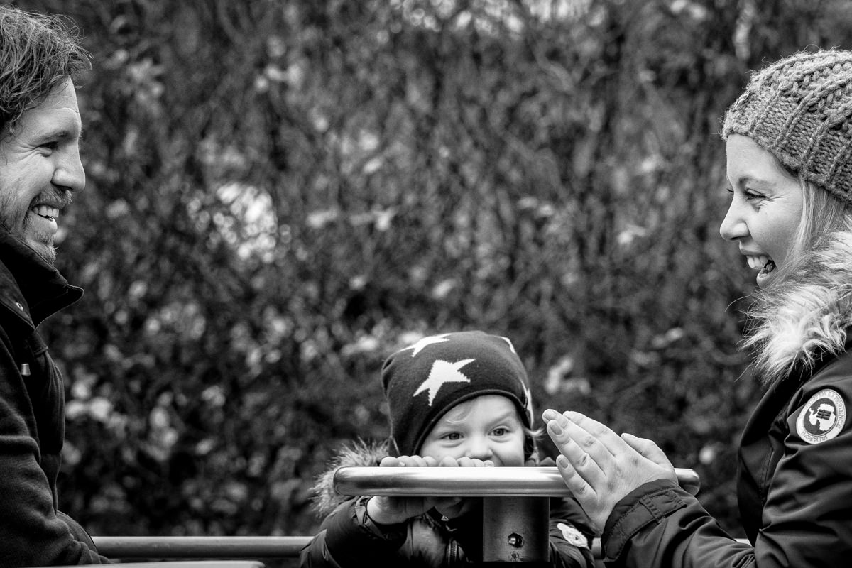 Paarfotos mit Kind bei Familienfotoshooting Wuppertal